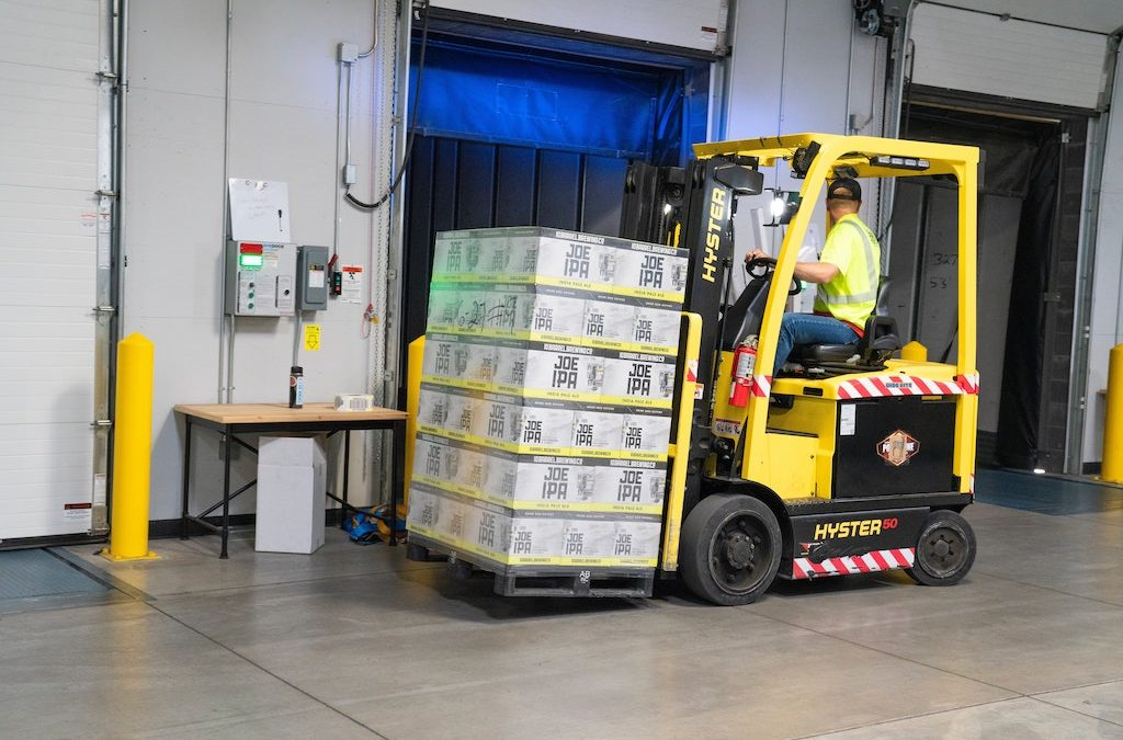 5 Reasons Why Your Company Should Consider Buying Used Forklifts
